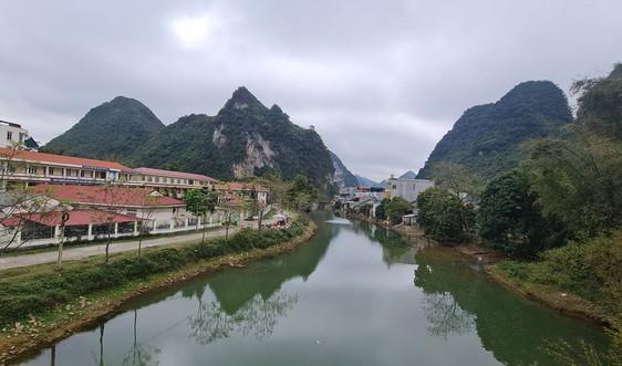 Trùng Khánh - Cao Bằng Những người bảo vệ dòng Bắc Vọng
