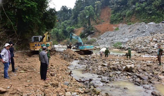 Thừa Thiên Huế: Tìm kiếm đến cùng các nạn nhân mất tích trong vụ sạt lở Rào Trăng 3