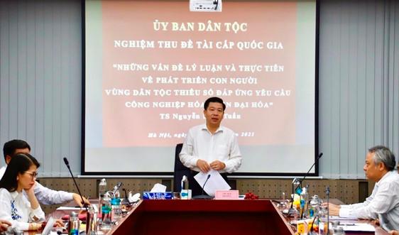 Ủy ban Dân tộc nghiệm thu đề tài KH&CN về phát triển con người vùng DTTS