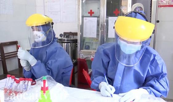 Lào Cai: 8 trường hợp đi cùng chuyến bay có bệnh nhân nhiễm Covid-19 đã âm tính lần 3