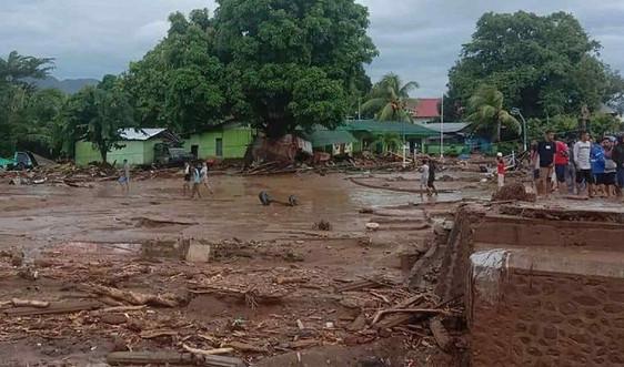 Lũ lụt, lở đất làm hàng chục người thiệt mạng ở Indonesia và Đông Timor