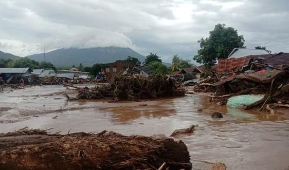 Ít nhất 76 người chết do lũ lụt và lở đất tại Indonesia và Đông Timor