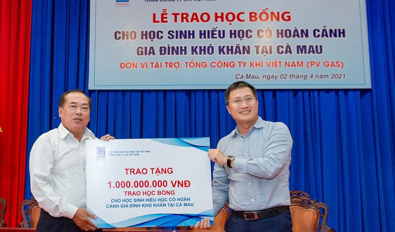 PV GAS trao tặng 500 suất học bổng cho học sinh nghèo hiếu học tỉnh Cà Mau