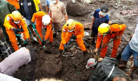 Indonesia và Đông Timor khẩn trương cứu hộ, cứu nạn sau bão Seroja