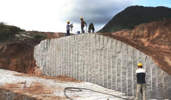 Bảo đảm an toàn môi trường khi thăm dò mỏ đá granit Ninh Thuận