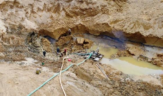 Quảng Nam: Tái diễn khai thác vàng trái phép trên sông Vàng