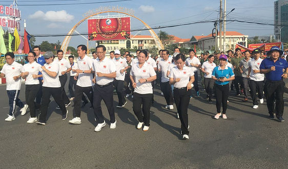 Bến Tre: Hơn 1.500 người tham gia Ngày chạy Olympic vì sức khỏe toàn dân