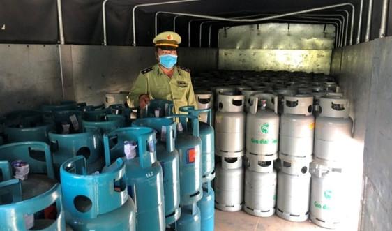 Tiền Giang tạm giữ  300 bình gas có dấu hiệu giả mạo nhãn hiệu