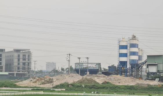 Yên Phong (Bắc Ninh): Nhiều trạm trộn bê tông xây dựng trái phép, xả thải gây ô nhiễm