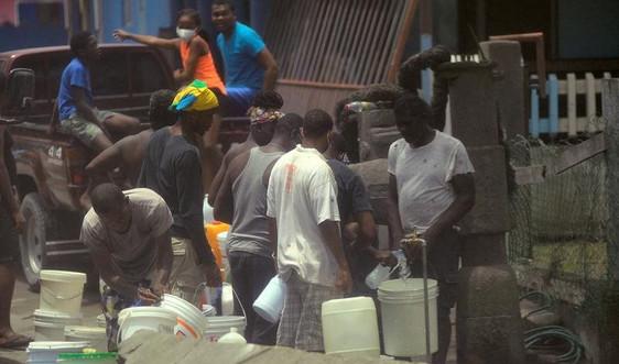Quốc đảo Caribe cảnh báo thiếu nước và lương thực do núi lửa phun trào