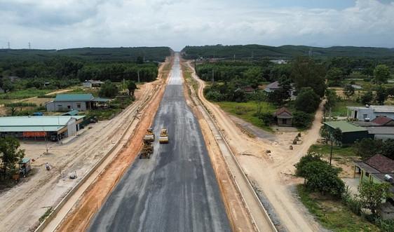Tiến độ các gói thầu tại dự án cao tốc hơn 7.600 tỷ đồng ở miền Trung