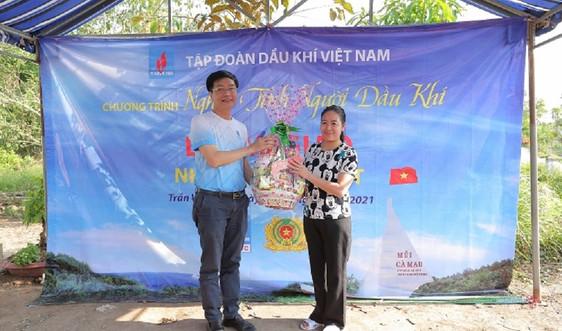 PVCFC phối hợp Công an tỉnh Cà Mau trao nhà Đại đoàn kết tại xã Khánh Bình