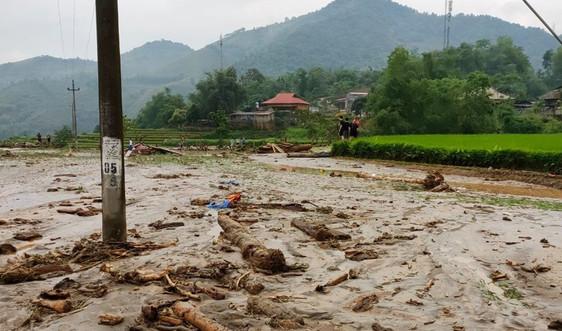 Lào Cai : Lũ ống về bất ngờ khiến 3 người chết và mất tích