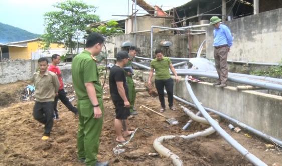 Phát hiện thêm cơ sở chế biến lâm sản ở Quan Hóa xả thải ra sông Mã