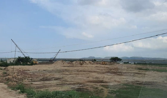 """Tiếp bài """"Cần mạnh tay với hành vi lấn chiếm đất nông ngiệp trái phép làm bến VLXD Phú Xuân"""": Đã dọn sạch cát phần lấn chiếm"""