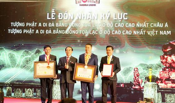 """Sa Pa – Lào Cai: Đón nhận kỷ lục Guinness """"Tượng Phật A Di Đà bằng đồng tọa lạc ở độ cao cao nhất châu Á"""""""