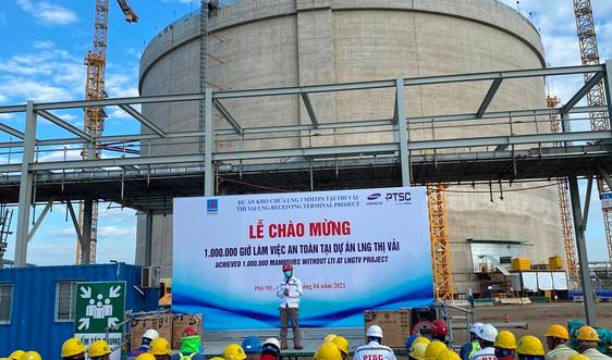 Dự án Kho chứa 1 triệu tấn LNG tại Thị Vải chào mừng mốc 1 triệu giờ làm việc an toàn