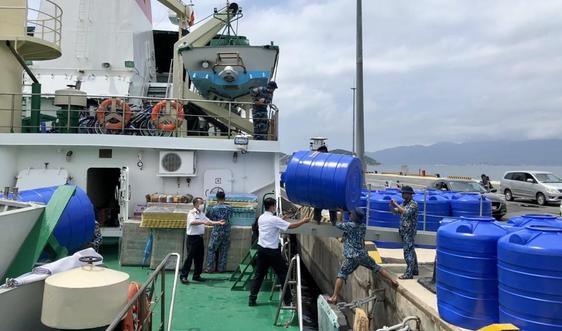 Tập đoàn Sơn Hà trao tặng bồn nước tại huyện đảo Trường Sa