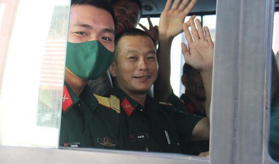 Quảng Nam: Sỹ quan quân đội lên các chốt tuyến biên giới chống dịch