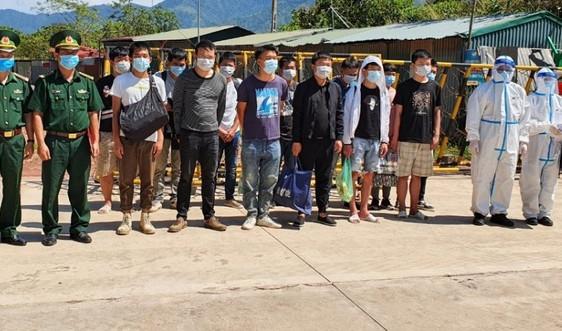 Điện Biên: Trao trả 13 công dân Trung Quốc xuất nhập cảnh trái phép