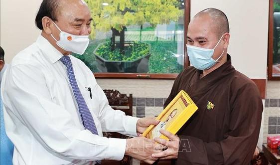 Chủ tịch nước Nguyễn Xuân Phúc tiếp các chức sắc tôn giáo huyện Hóc Môn, TP.HCM
