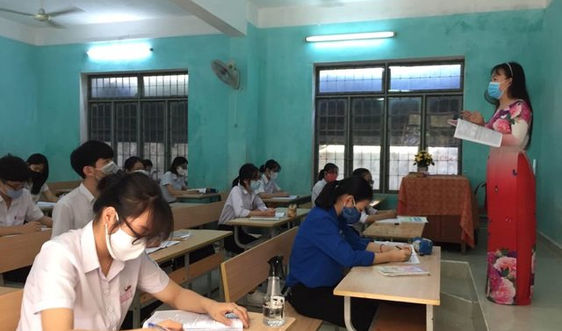 Học sinh Quảng Ngãi trở lại trường từ 12/5 để hoàn tất năm học 2020-2021