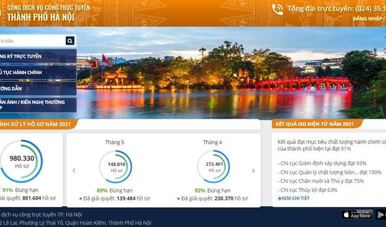 Hà Nội khuyến khích người dân thực hiện các thủ tục hành chính trên môi trường mạng