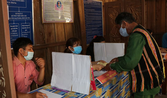 Kon Tum: Gần 10.000 cử tri biên giới đi bầu cử sớm