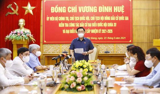 Chủ tịch Quốc hội Vương Đình Huệ kiểm tra công tác bầu cử tại tâm dịch
