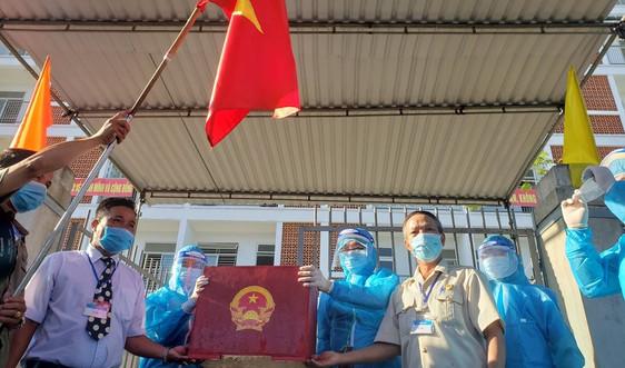 Hàng triệu cử tri miền Trung nô nức đi bầu cử vẫn đảm bảo an toàn phòng dịch