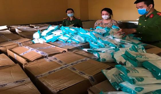 Hà Nội: Thu giữ số lượng lớn khẩu trang không rõ nguồn gốc