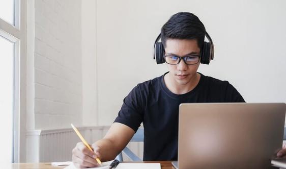 Hơn 100 nghìn học sinh lớp 12 tại Hà Nội tham dự kỳ khảo sát chất lượng trực tuyến