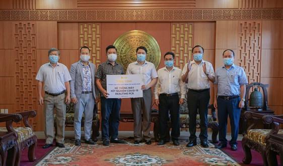 Tập đoàn FVG tặng tỉnh Quảng Nam hệ thống máy xét nghiệm tự động Real-Time PCR