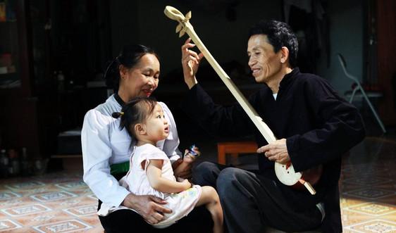 Người thổi hồn vào cây đàn tính tẩu của dân tộc Thái Sơn La
