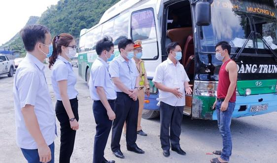 Cho phép xe vận tải hành khách Limousine 10 chỗ ngồi tuyến Sơn La - Hà Nội hoạt động trở lại