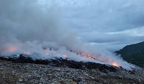 Đã tìm ra nguyên nhân gây cháy dữ dội tại bãi rác Khánh Sơn (Đà Nẵng)