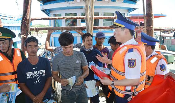 Nâng cao nhận thức, ý thức  của nhân dân về công tác quản lý nhà nước bằng pháp luật trên các vùng biển đảo