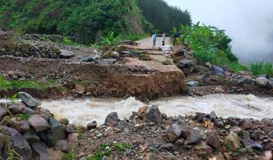 Mường La (Sơn La): Mưa lớn gây sạt lở tỉnh lộ 109