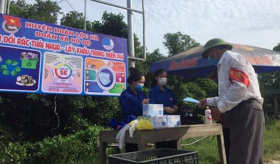 """Lộc Hà- Hà Tĩnh: Lan tỏa mô hình """"Đổi rác thải nhựa lấy khẩu trang"""""""