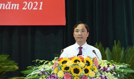 Ông Hoàng Trung Dũng tái đắc cử chức Chủ tịch HĐND Hà Tĩnh