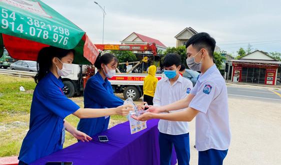 Xét nghiệm nhanh cho 500 thí sinh, cán bộ coi thi THPT ở Quảng Trị