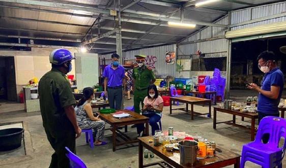Nghệ An: Xử phạt quán bia tập trung đông người