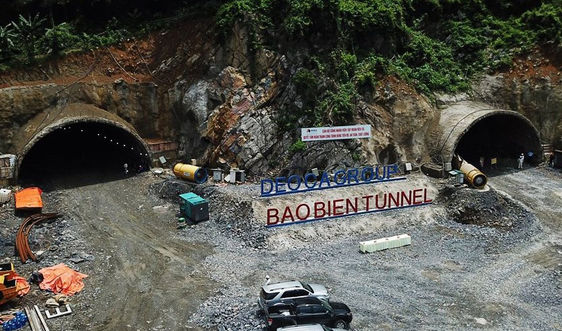 Thông đường hầm xuyên núi lớn nhất Quảng Ninh