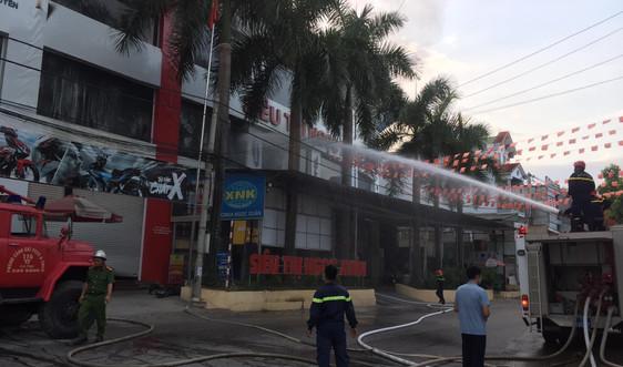Cao Bằng: Chưa thống kê được thiệt hại vụ cháy lớn tại Siêu thị Ngọc Xuân