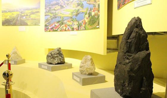 Hơn 300 mẫu vật địa chất khoáng sản: Nguồn hiện vật quý giá tại Bảo tàng tỉnh Yên Bái