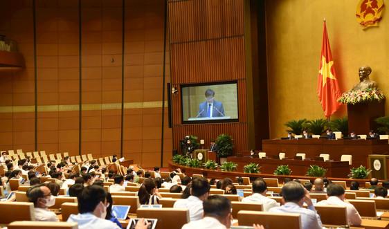 Quốc hội nghe báo cáo về việc đề xuất một số biện pháp phòng chống dịch bệnh COVID-19