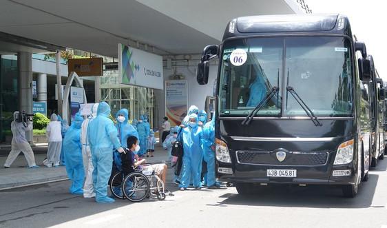 Bộ Y tế hỗ trợ Đà Nẵng máy xét nghiệm, xe tiêm vắc-xin lưu động
