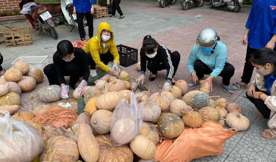 Đồng bào huyện miền núi A Lưới góp nông sản, chế biến thực phẩm hỗ trợ miền Nam chống dịch