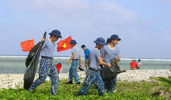 """Bài dự thi """"Cùng giữ màu xanh của biển"""": Khẳng định văn hóa, chủ quyền Việt Nam từ góc nhìn môi trường biển - Bài 3: Làm """"nguội"""" những vấn đề nóng từ môi trường biển"""
