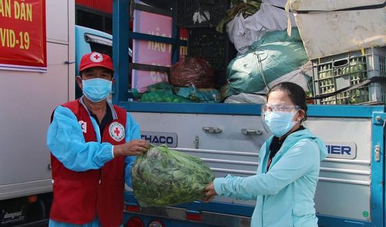 Người dân Quảng Nam gửi 30 tấn rau củ, thực phẩm cho vùng cách ly y tế Sơn - Trà Đà Nẵng